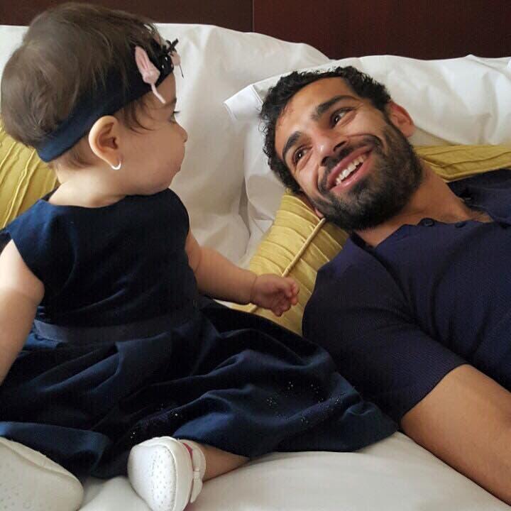 مع ابنته مكة