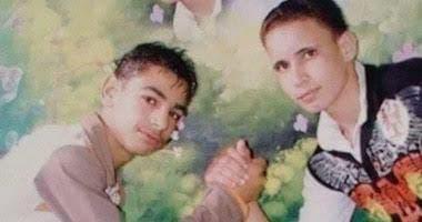 محمد صلاح في طفولته (يسار)