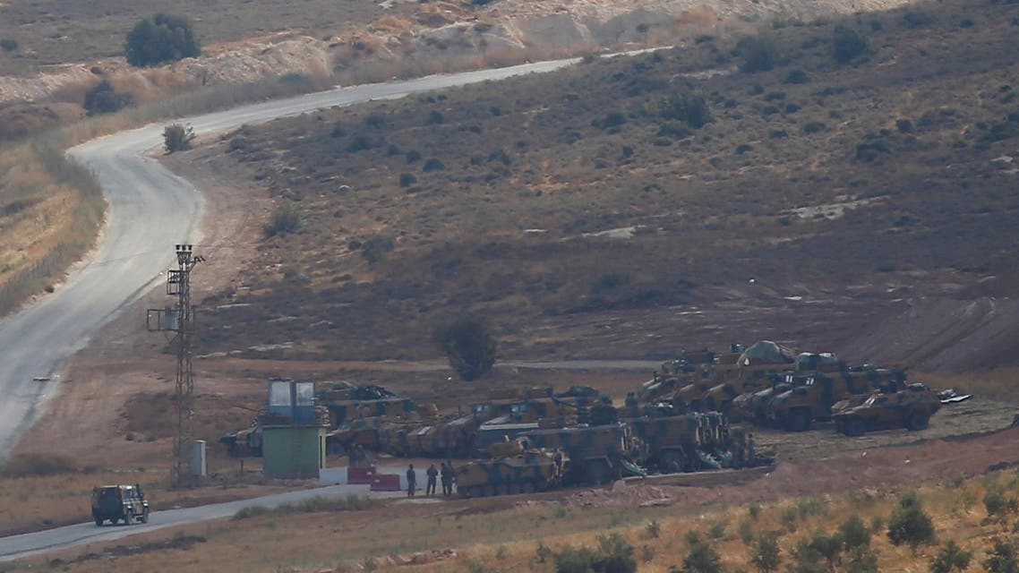 آليات تركية تتقدم باتجاه محافظة إدلب