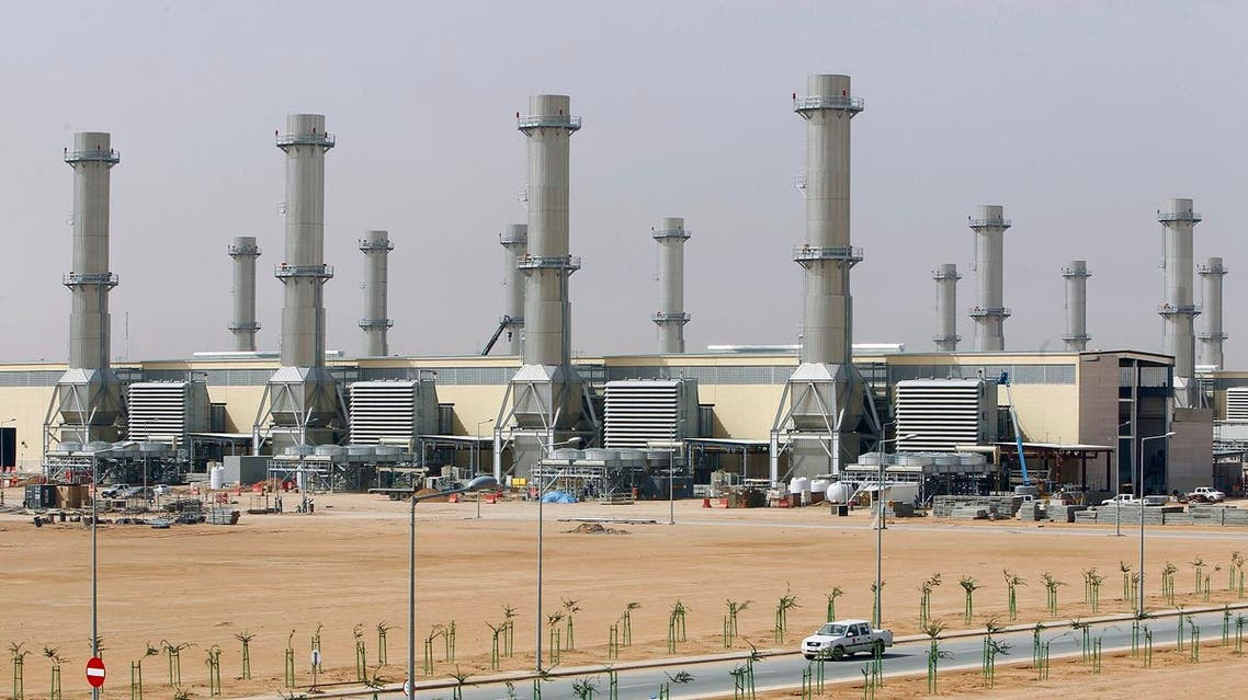 A general view of power plant number 10 at Saudi Electricity Company's Central Operation Area, south of Riyadh, April 27, 2012. Saudi Arabia is likely to burn less crude in its power plants this summer thanks to rising output from dedicated gas fields and gas that would be associated with any increase in oil output to make up for lower Iranian production. Picture taken April 27, 2012. To match Analysis SAUDI-CRUDE/GAS REUTERS/Fahad Shadeed (SAUDI ARABIA - Tags: ENERGY BUSINESS)