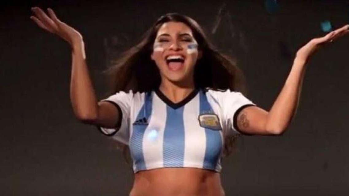 گوینده آرژانتینی به وعدهاش پس از گلهای مسی عمل کرد