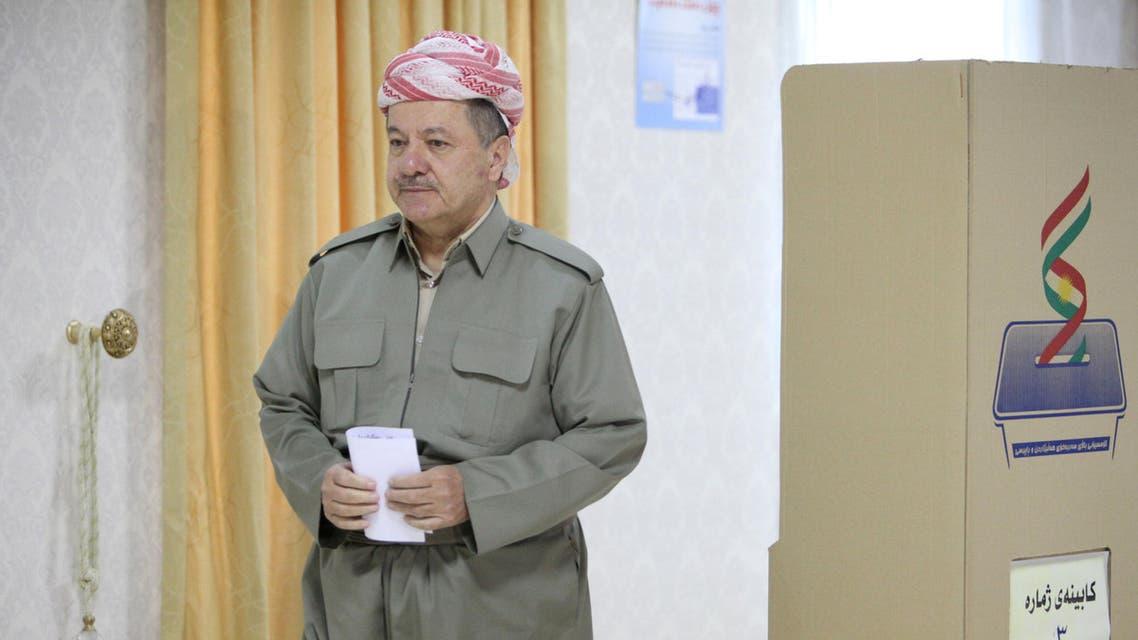 Iraqi Kurdish President Masoud Barzani casts his vote during Kurds independence referendum in Erbil, Iraq September 25, 2017. REUTERS/Azad Lashkari