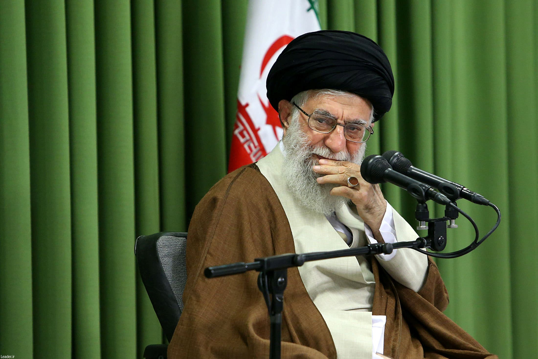 Iran's Supreme Leader Ayatollah Ali Khamenei attends a meeting with students in Tehran, Iran, October 18, 2017. Leader.ir/Handout via REUTERS ATTENTION EDITORS - THIS IMAGE WAS PROVIDED BY A THIRD PARTY. NO RESALES. NO ARCHIVE.