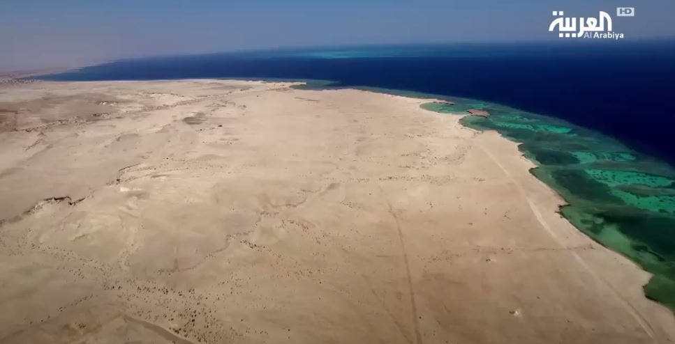 إطلالة ساحلية على البحر الأحمر تجعل من المشروع بوابة تجارة عالمية