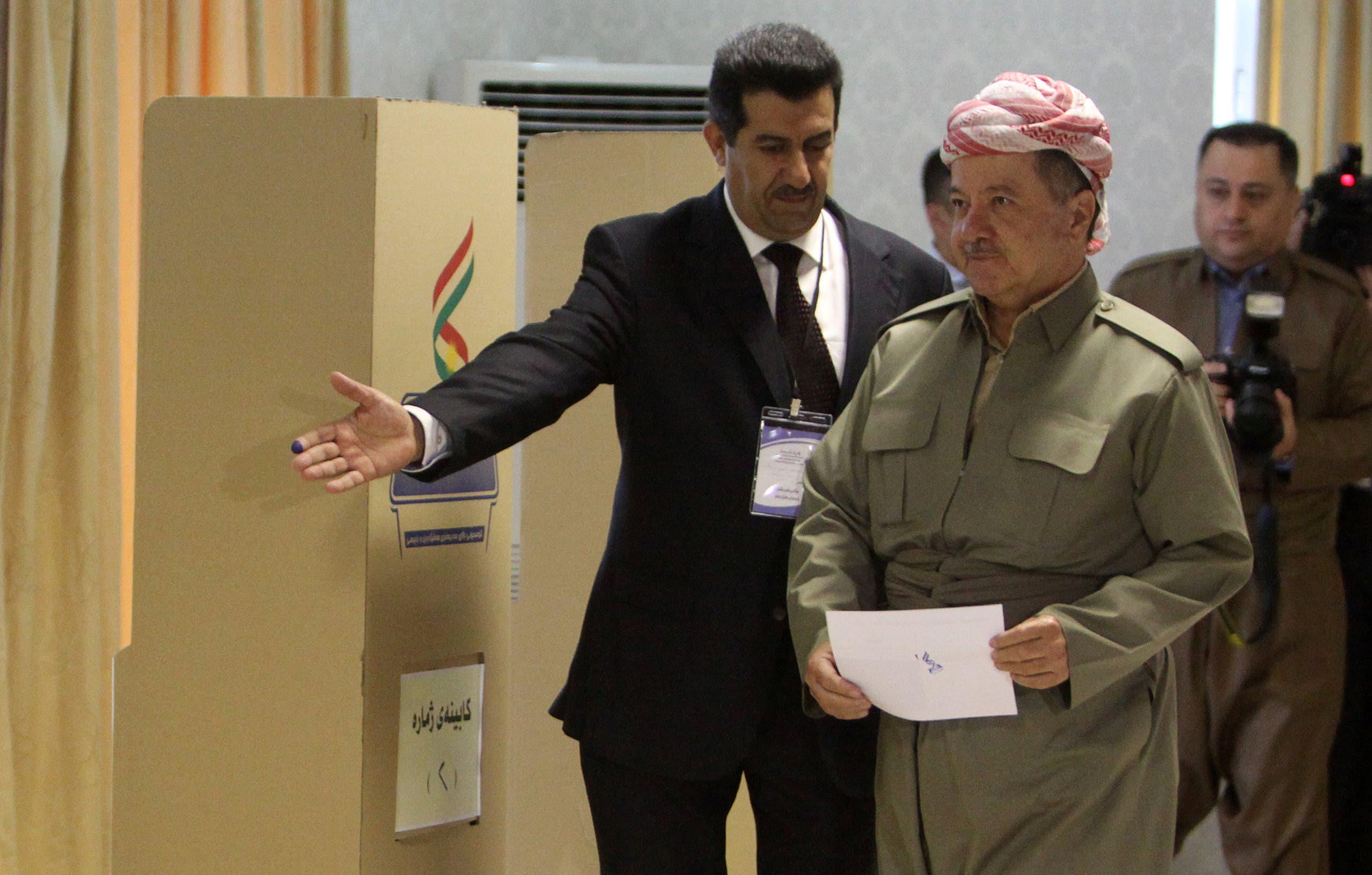 Iraqi Kurdish President Masoud Barzani casts his vote during Kurds independence referendum in Erbil, Iraq September 25, 2017. (Reuters)