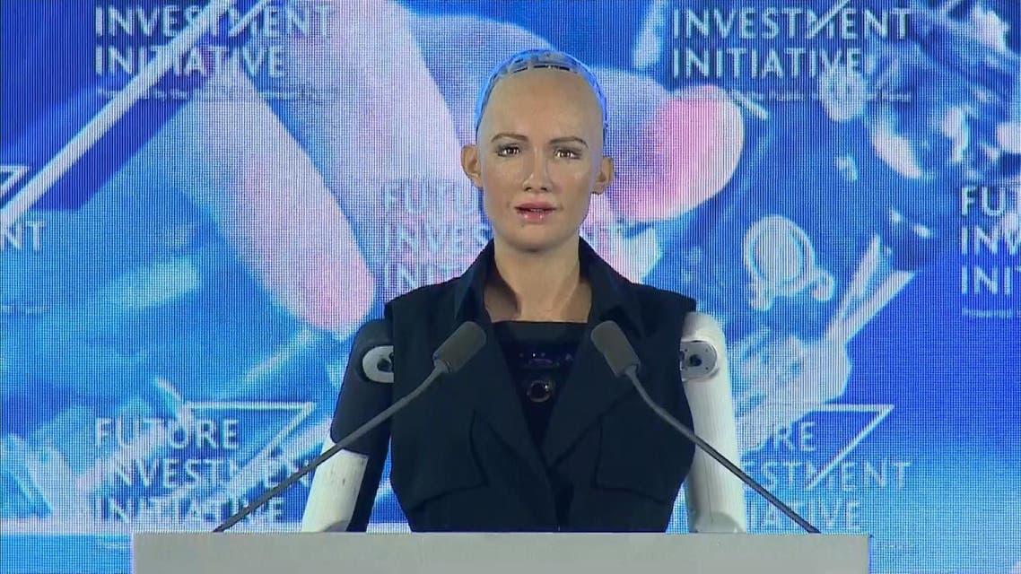 THUMBNAIL_ من هي الروبوت صوفيا التي حصلت على الجنسية السعودية؟