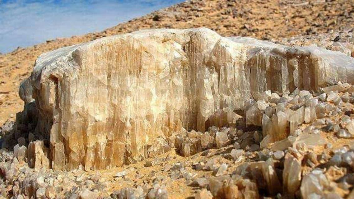 """جبل الكريستال"""".. هل يحقق حلم المصريين بالثراء؟"""