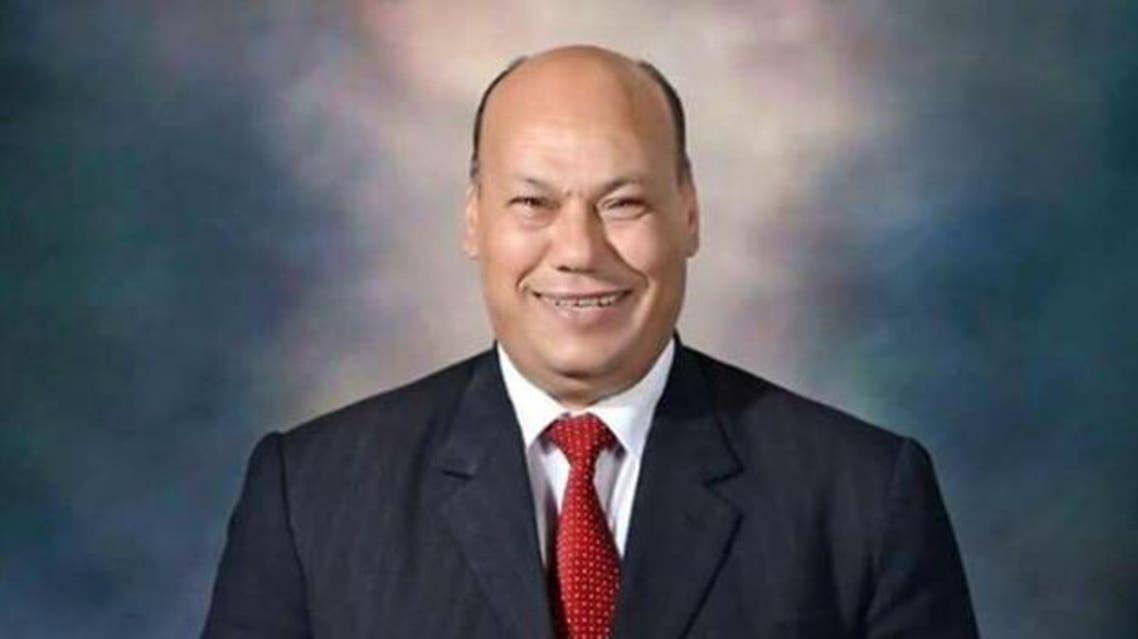 هكذا برر برلماني مصري صفعه لموظفة