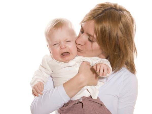 علميا..لماذا تتفاعل كل أم بنفس الطريقة مع بكاء الأطفال؟