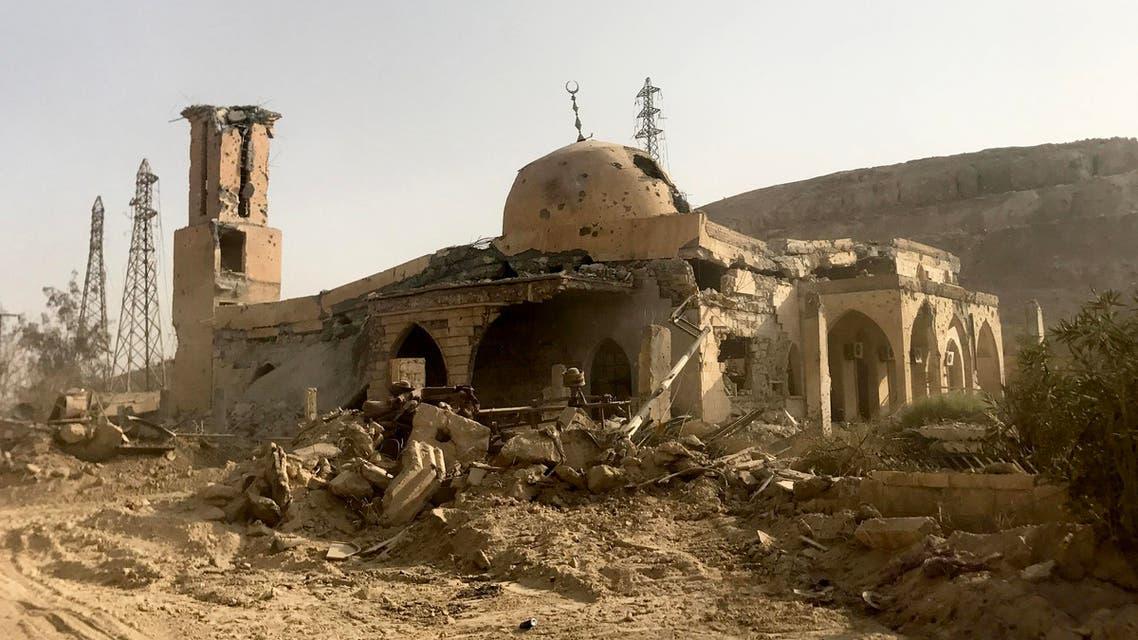 مسجد طاله الدمار الذي لحق بدير الزور جراء المعارك