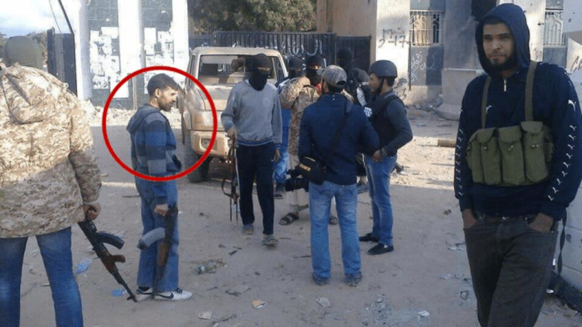 الامام امام مقر كتيبة 17 فبراير في بنغازي