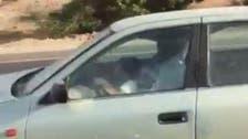فيديو.. طفل في الـ 8 يقود سيارة وهذا عقاب المرور لوالده