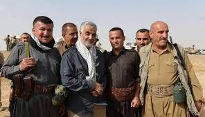 قاسم سلیمانی به همراه پیشمرگههای کُرد در جریان عملیات علیه داعش در عراق