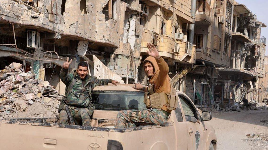 قوات النظام السوري قرب البوكمال