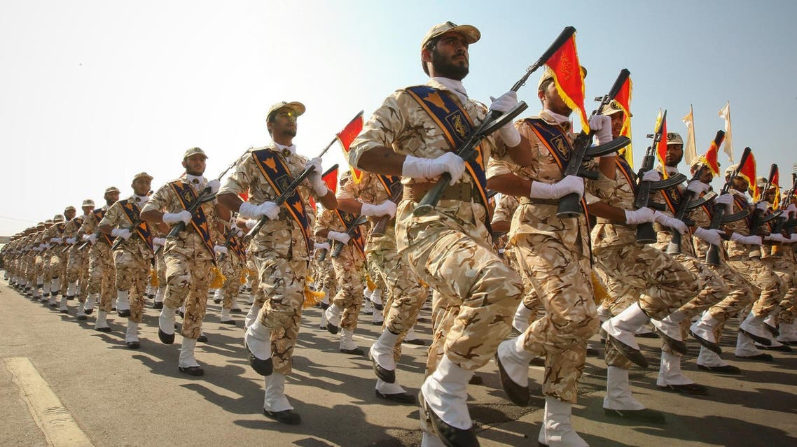 Members of the Iranian revolutionary guard march during a parade to commemorate the anniversary of the Iran-Iraq war (1980-88), in Tehran, on September 22, 2011. (Reuters)