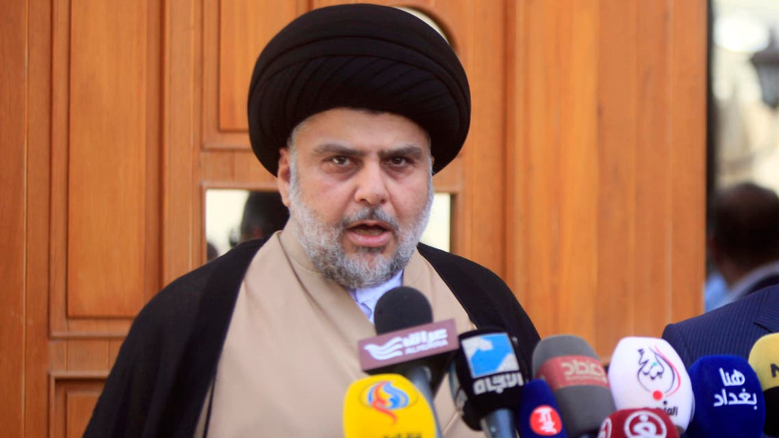 Iraqi cleric Moqtada Sadr (L) speaks during a joint press conference with Iraq's parliament speaker Salim al-Juburi in the central shrine city of Najaf on May 6, 2017, following their meeting.  Haidar HAMDANI / AFP