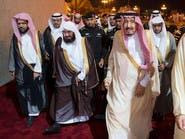 الملك سلمان يزور مسجد قباء في المدينة المنورة