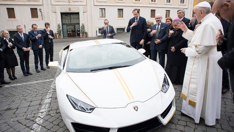 Lamborghini Aventador Gold on lamborghini cars 2030, lamborghini diablo 2030, lamborghini gallardo 2030, lamborghini concept 2030,