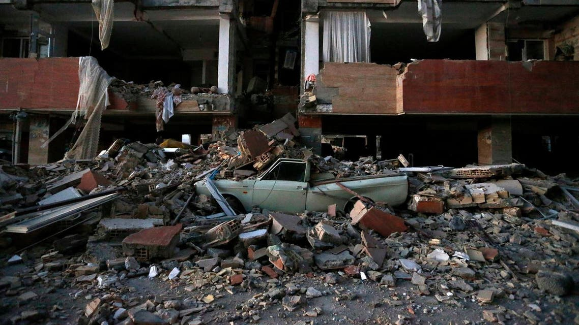 The quake destroyed many buildings in Pol-e Zahab. Credit Pouria Pakizeh/ Iranian Students News Agency, via Associated Press