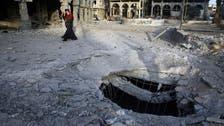 بعد 3 أيام على دخولها.. قصف مستودع مساعدات في دوما