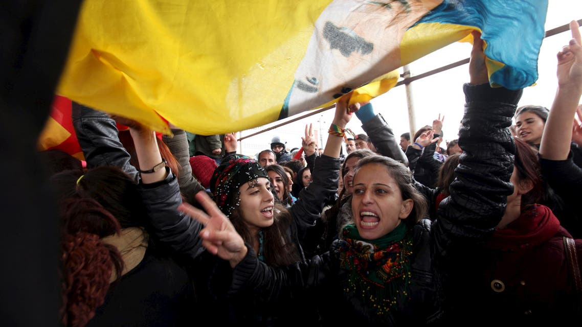 Kurdish people during a protest outside the headquarters of the UN Mission in Iraq, in Erbil, on February 7, 2016. (Reuters)