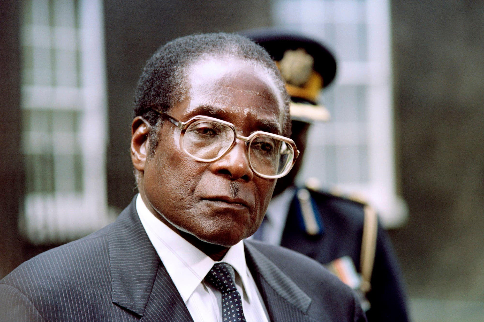 Mugabe answers the press after a meeting with British Prime Minister John Major in London on May 23, 1991. (AFP)