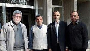 أحمدي نجاد ومعاونه بقائي ومستشاره الاعلامي جوانفكر