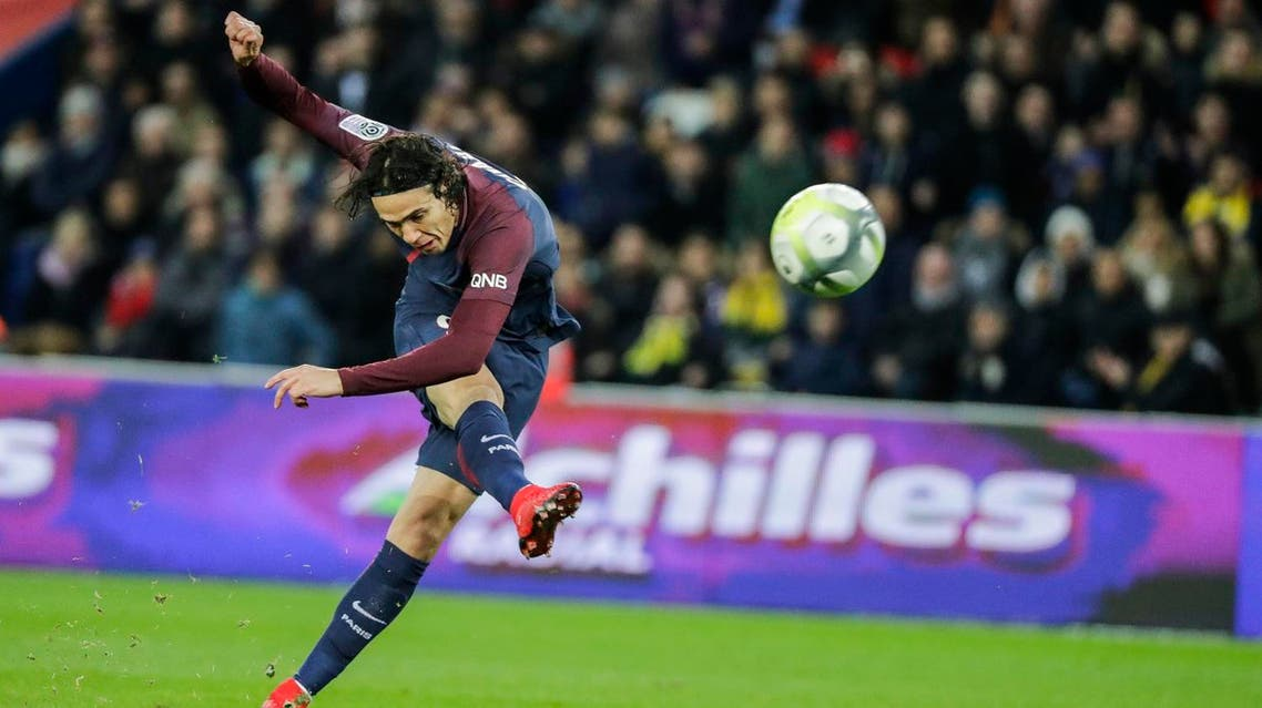 Paris Saint-Germain's Uruguayan forward Edinson Cavani shoots on goal during the French L1 football match between Paris Saint-Germain (PSG) and Nantes (FCN) at the Parc des Princes stadium in Paris on November 18, 2017. (AFP)