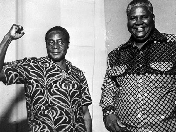 موغابي.. المدرس الذي أصبح ديكتاتورا