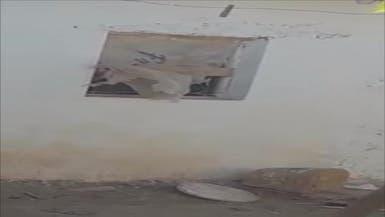 فيديو.. مغربي يعذب طفله بعد فرار الأم من البطش