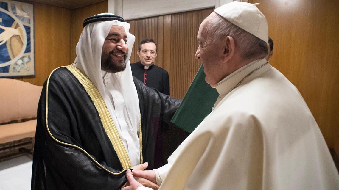 Pope Francis shakes hands with Abdullah bin Fahd al-Luhaidan during a private audience at the Vatican, November 22, 2017. (Reuters)