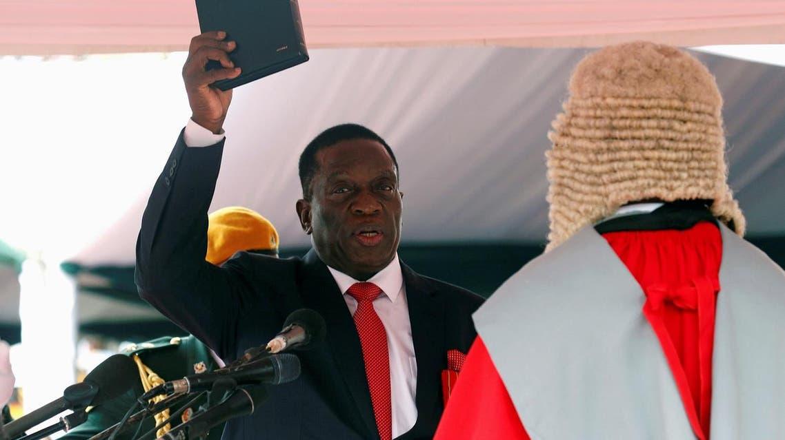 Emmerson Mnangagwa is sworn in as Zimbabwe's president in Harare, Zimbabwe, November 24, 2017. (Reuters)