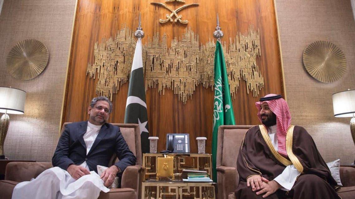 ولي العهد السعودي يستقبل رئيس وزراء باكستان