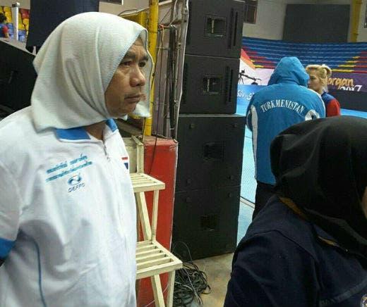 مربی تیم کبدی دختران تایلند با روسری