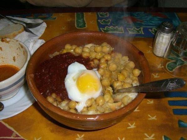 """التونسيون يواجهون البرد بـ""""درع غذائي"""""""