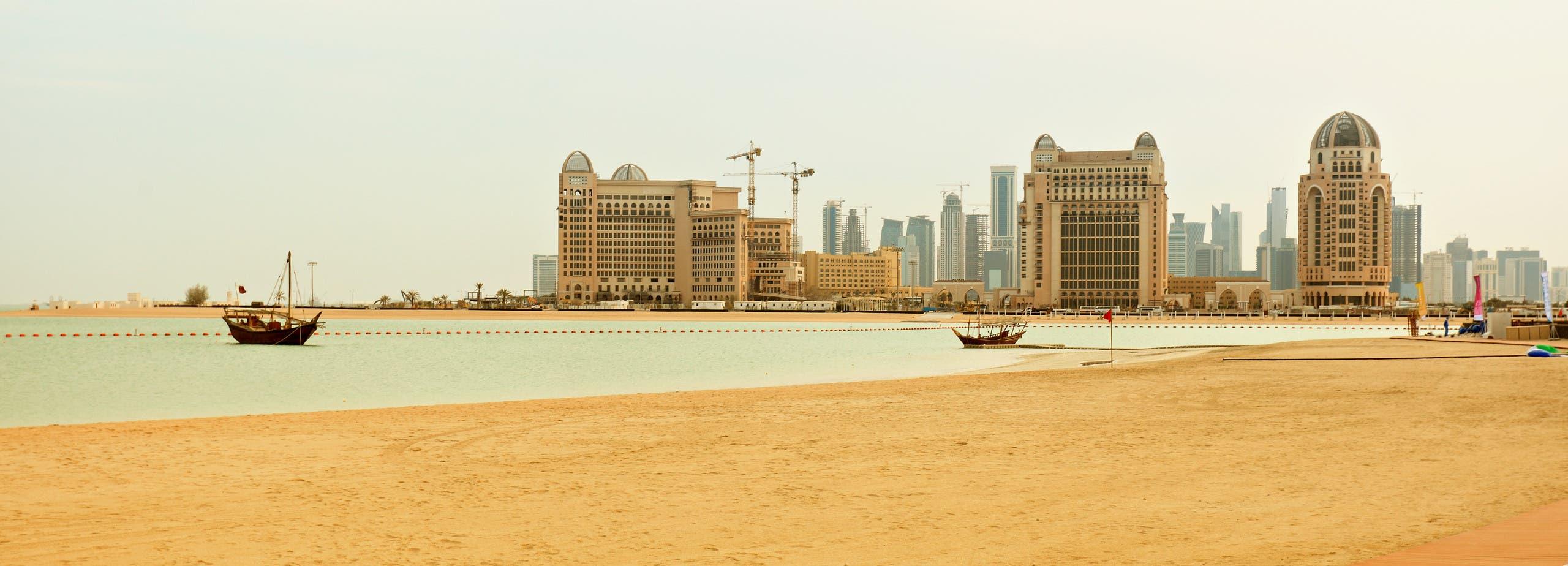 qatar sand shutterstock