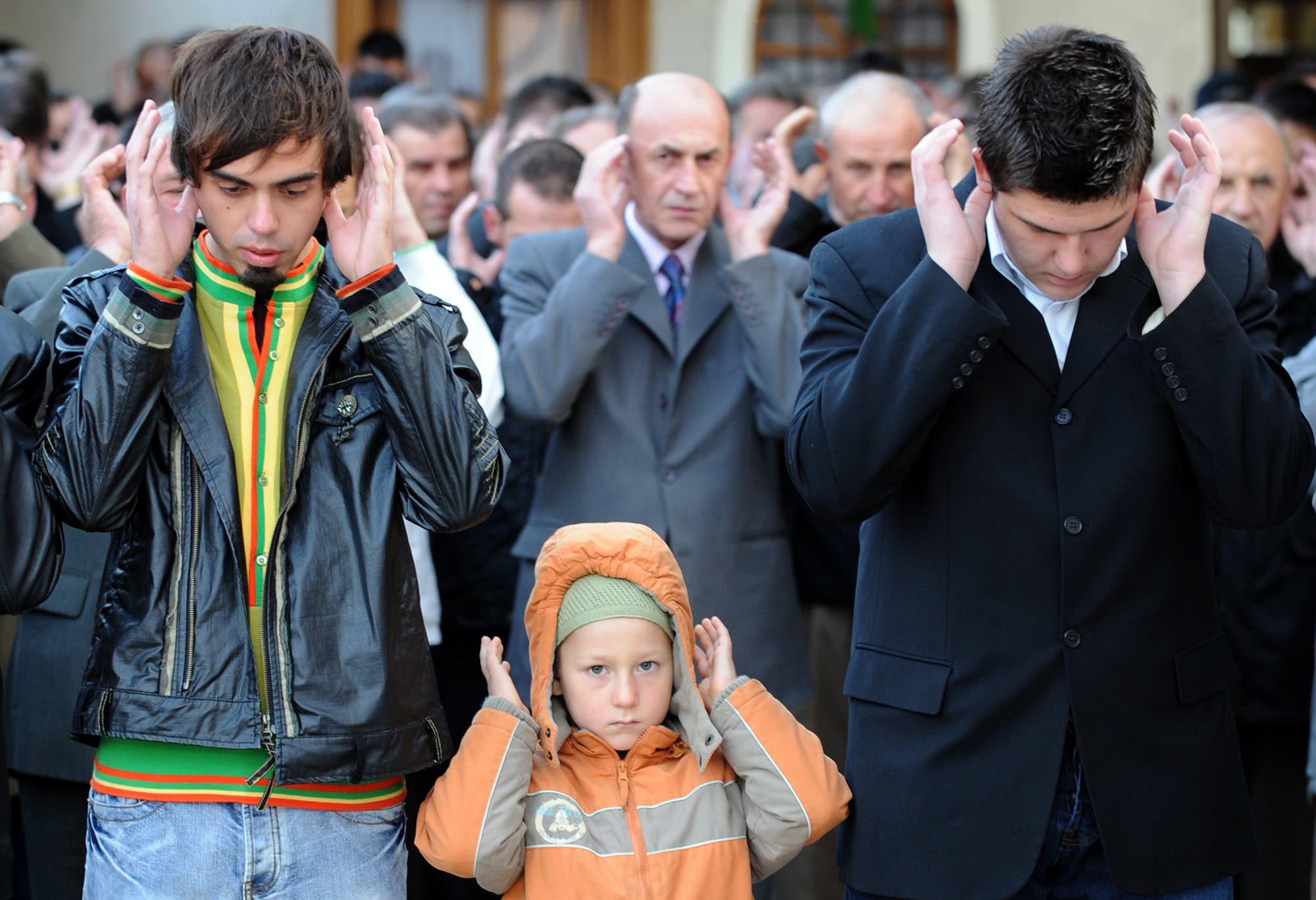 Bosnian Muslims pray during an early morning service on September 30, 2008, at Sarajevo's central mosque. (AFP)