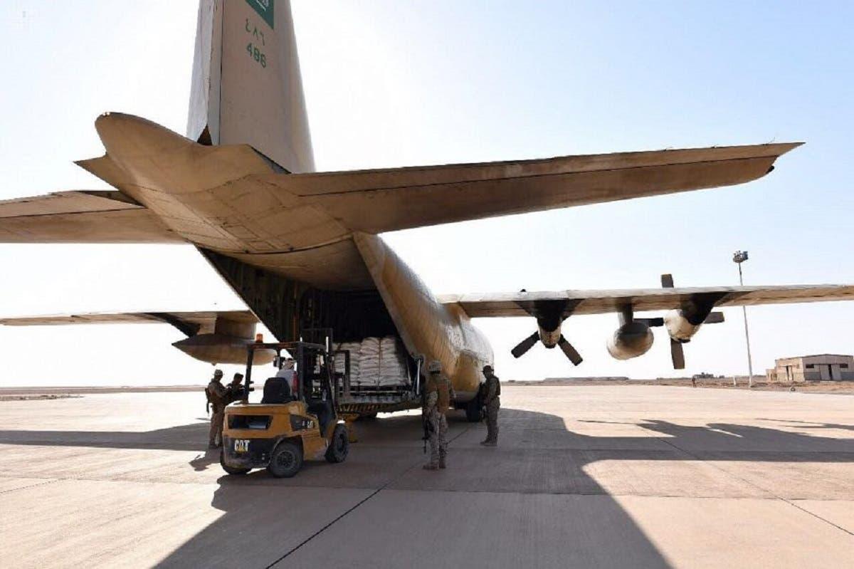 Saudi food aid at Al-Ghayza airport in Al-Mahra province in Yemen. (SPA)