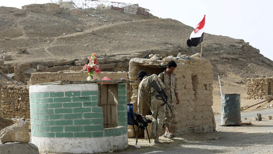 Army soldiers man a checkpoint in the historical town of Baraqish in Yemen's al-Jawf province after it was taken over by pro-government forces from Houthi fighters April 6, 2016. REUTERS