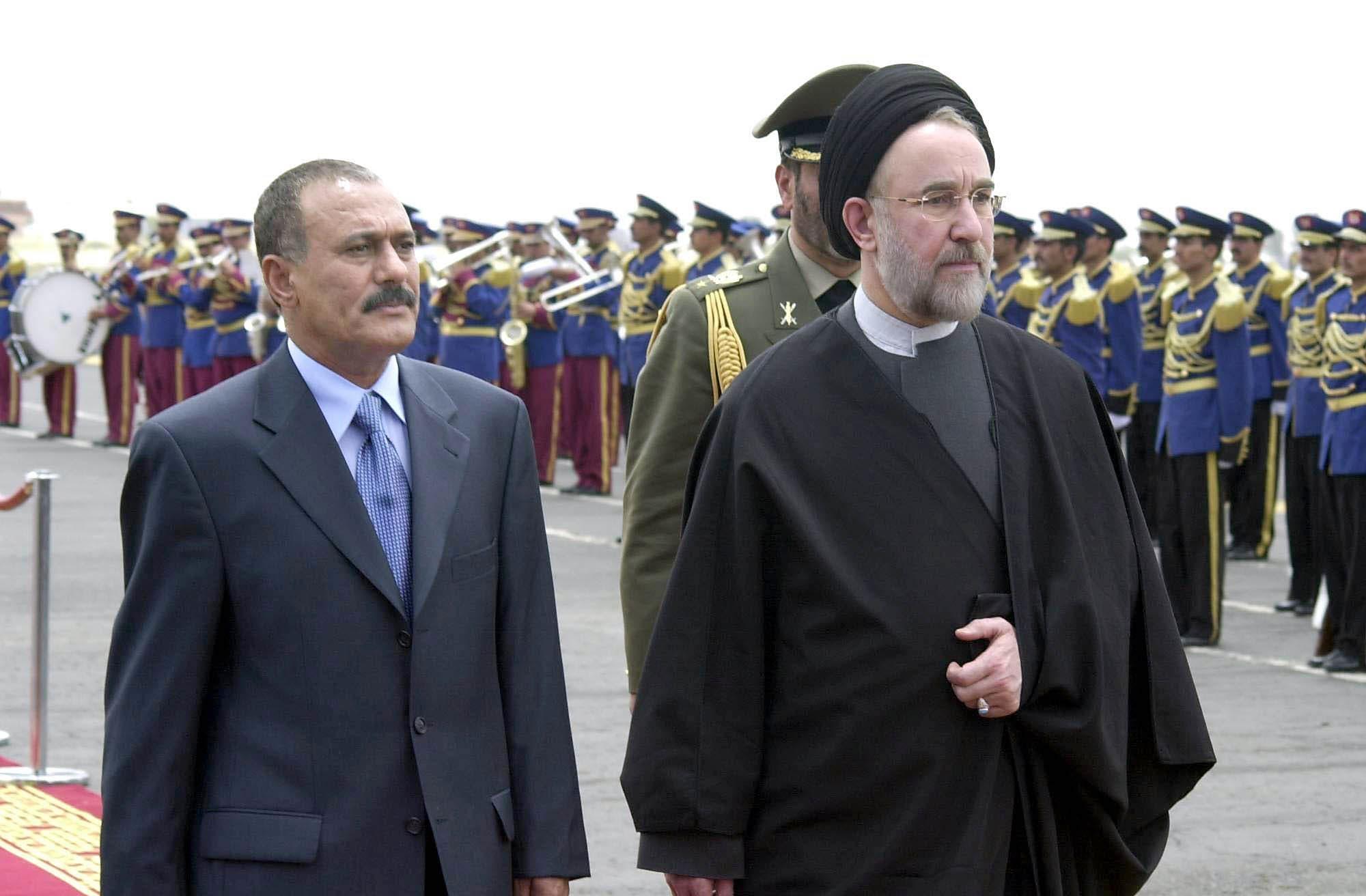 علی عبدالله صالح به همراه محمد خاتمی رئیس جمهوری اسبق ایران
