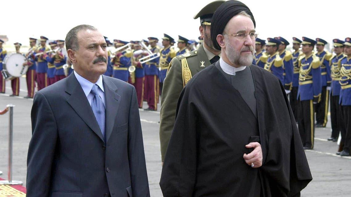 This file photo taken on May 15, 2003 shows Yemeni ex-president Ali Abdullah Saleh (L) welcoming former Iranian president Mohammad Khatami at Sanaa International Airport. (AFP)