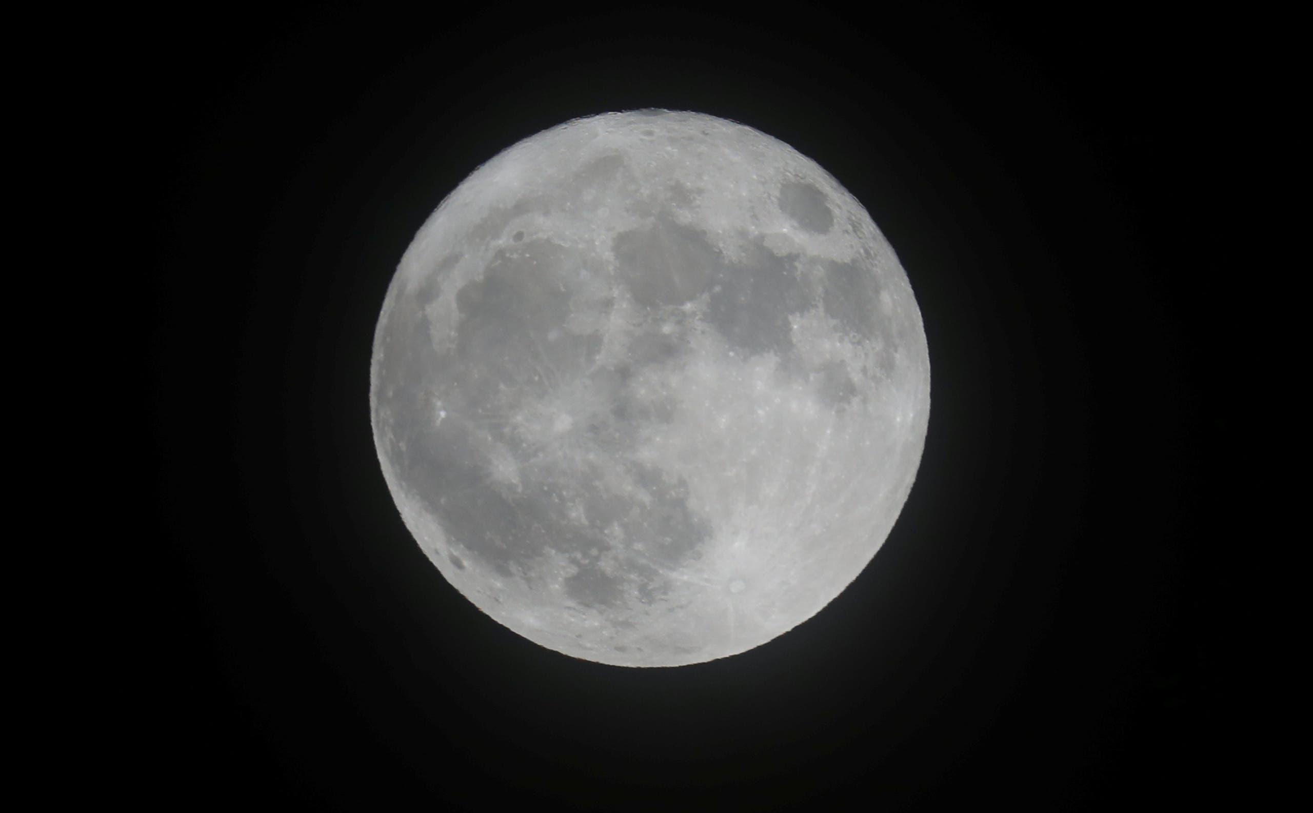القمر العملاق في بريطانيا
