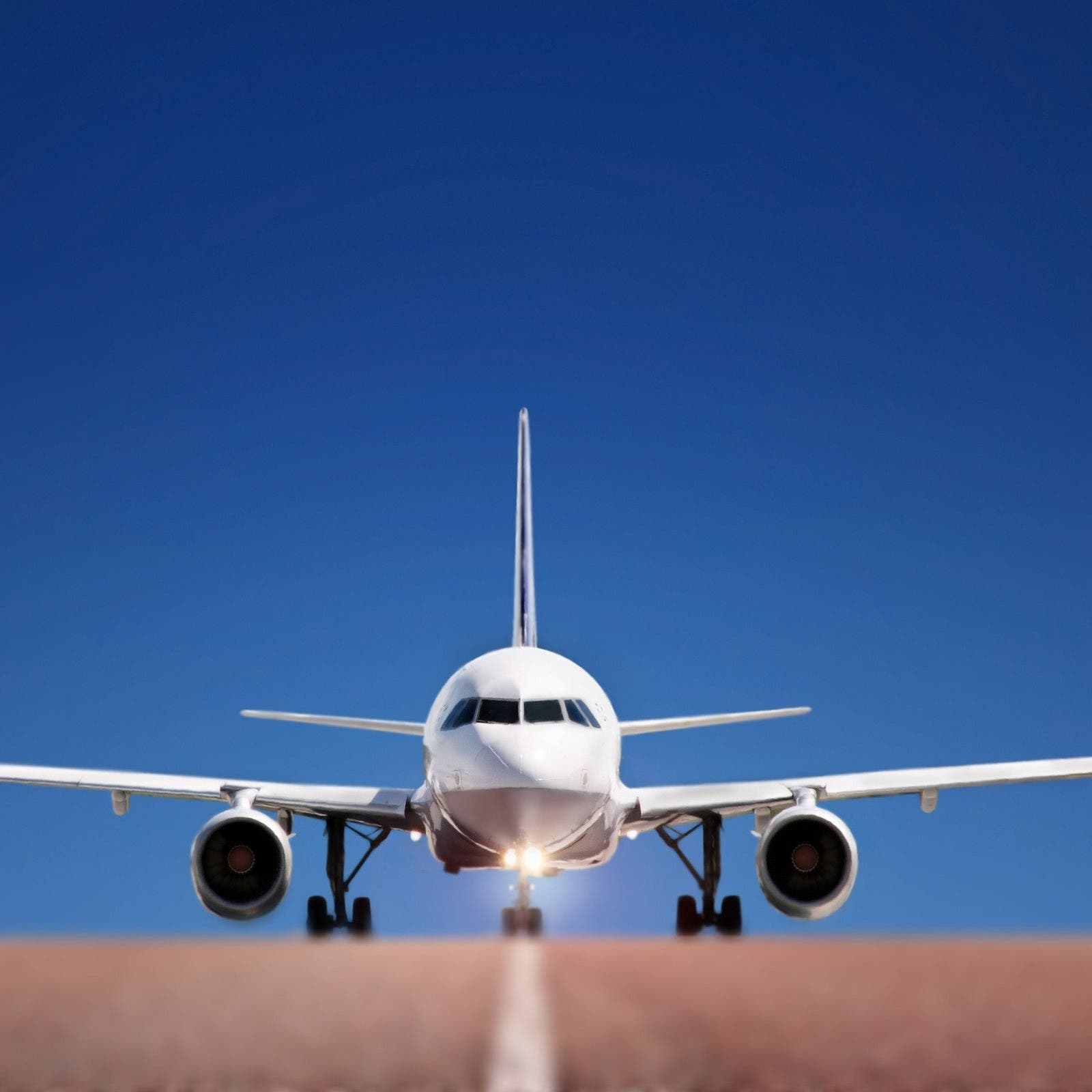 وصول أطول رحلة تجارية في العالم لمطار نيوآرك