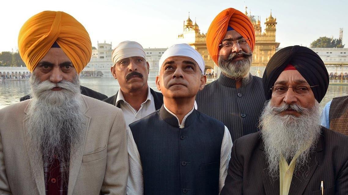 London Mayor Sadiq Khan visits the holy Sikh shrine of Golden temple in Amritsar. (Reuters)