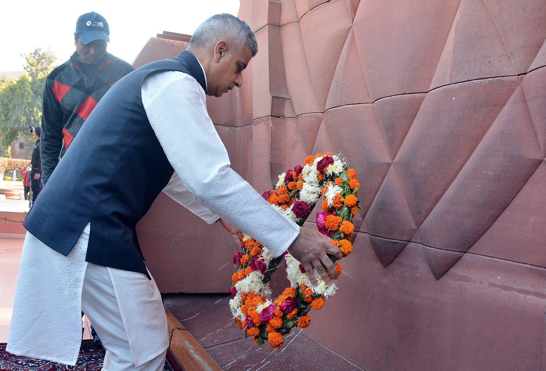 London Mayor Sadiq Khan places a wreath at the Jallianwala Bagh memorial in Amritsar, India, on December 6, 2017. (Reuters)