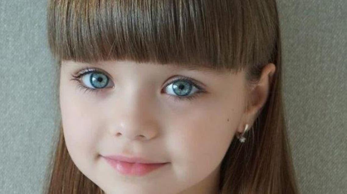 هل هذه أجمل طفلة
