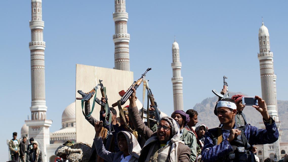 عناصر من ميليشيات الحوثي في صنعاء 3