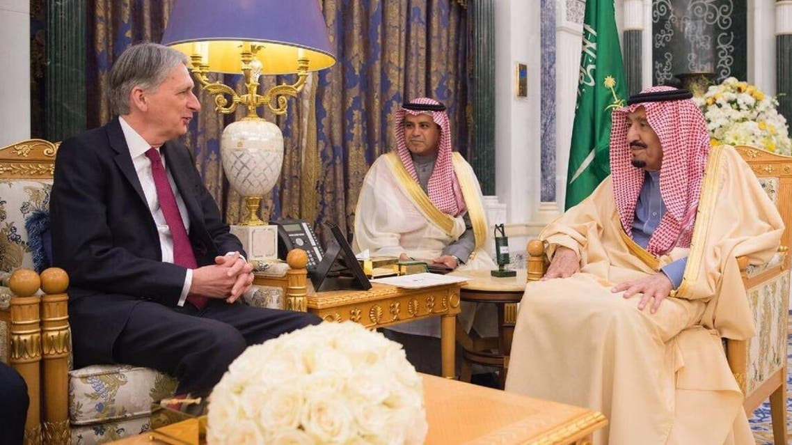 الملك سلمان يستقبل هاموند في قصر اليمامة
