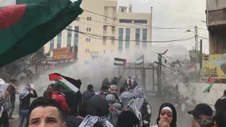 احتجاجات أمام سفارة أميركا بلبنان منددة بقرار ترمب