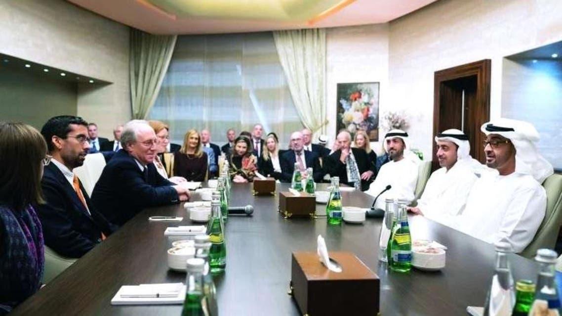 محمد بن زايد مع وفداً من معهد واشنطن لسياسة الشرق الأدنى